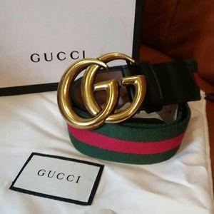 Double G gold famous Gucci belt